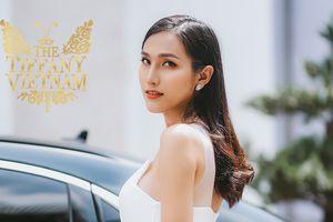 CLIP: Hoài Sa 'hớp hồn' giám khảo The Tiffany Vietnam bằng ca khúc 'thần thánh' về mối tình đồng tính nữ