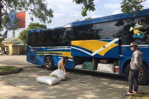 Thanh Hóa: CSGT bắt xe vận chuyển hàng trăm kg thực phẩm bẩn