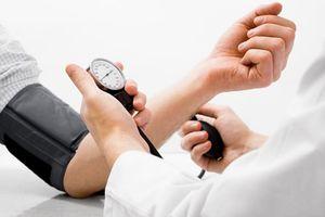 Người bệnh tăng huyết áp có phải kiêng... chuyện ấy?
