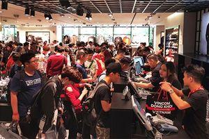 Thị trường bán lẻ: Thời trang đi xuống, ẩm thực lên ngôi
