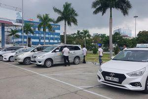 Hiệp hội Vận tải ô tô kêu gọi taxi không đình công phản đối Grab