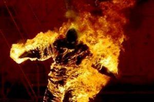 Thanh Hóa: Không níu giữ được vợ sau ly hôn, chồng tẩm xăng đốt vợ