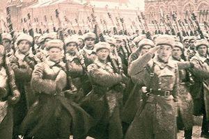 Cuộc duyệt binh đi vào lịch sử nhân loại cách đây 77 năm