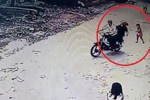 Bắt kẻ cướp giật tài sản cháu bé 3 tuổi
