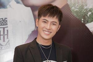 Gin Tuấn Kiệt: 'Tôi tự thấy mình mạo hiểm khi tung 2 ca khúc cùng thời điểm'