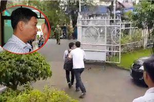 Phóng viên bị đẩy ra khỏi nơi Chủ tịch TP.HCM tiếp xúc dân Thủ Thiêm