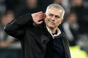 Huyền thoại MU chỉ trích pha ăn mừng quá khích của Mourinho
