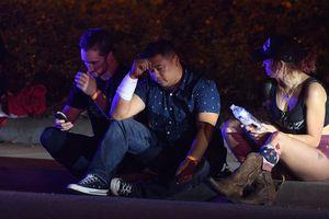 Xả súng tại quán bar ở California, 12 người chết