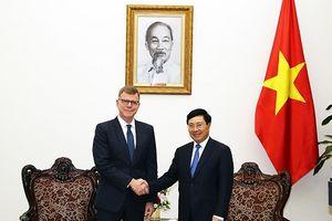 Phó Thủ tướng Phạm Bình Minh tiếp Phó Chủ tịch ADB