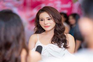 Facebook của Phương Oanh 'Quỳnh búp bê' bị anti-fan đánh sập