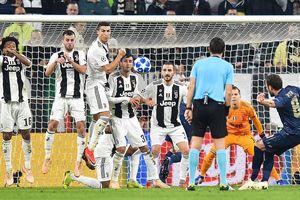 Champions League: Ronaldo ghi bàn, nhưng M.U ngược dòng hạ Juventus tại Turin