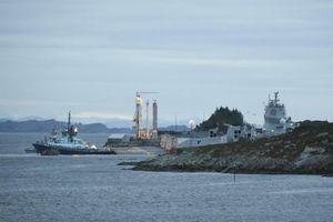 Tàu khu trục Na Uy va chạm tàu chở dầu, 7 người bị thương