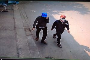 Cải trang thành học sinh trộm hàng loạt xe máy