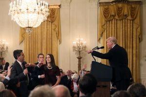 Tổng thống Trump cãi tay đôi với phóng viên trong họp báo hậu bầu cử
