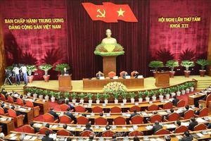 Bài 4: Lời tuyên thệ và cam kết chính trị trước nhân dân