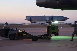 Lầu Năm Góc tăng cường sản xuất tên lửa JASSM đối phó S-300