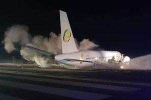 Boeing chở 126 người trượt đường băng, 6 người bị thương