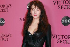Trương Vũ Kỳ bị chê khi dự thảm hồng Victoria's Secret Show 2018
