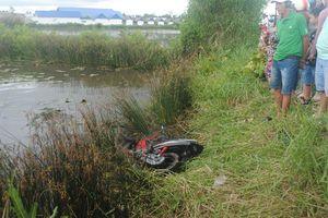 Đã tìm thấy thi thể nạn nhân vụ chiếc xe máy nằm dưới vuông tôm