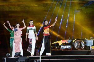 Nhà thiết kế Đỗ Trịnh Hoài Nam gây chú ý với bộ sưu tập áo dài cá tính
