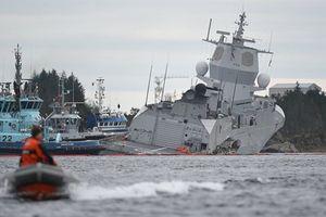 Vừa trở về từ tập trận lớn nhất của NATO, chiến hạm Na Uy gặp hạn nặng