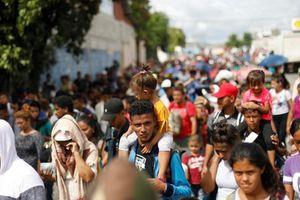 Mỹ thêm mạnh tay, muốn cấm người vượt biên trái phép xin tị nạn