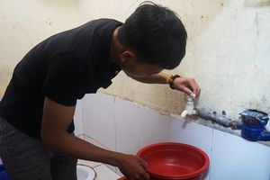Người dân Đà Nẵng 'kêu trời' vì khan hiếm nước sinh hoạt giữa mùa mưa