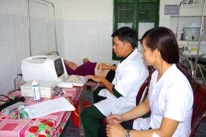 BĐBP Nam Định tuyên truyền pháp luật, khám bệnh miễn phí cho nhân dân biên giới biển