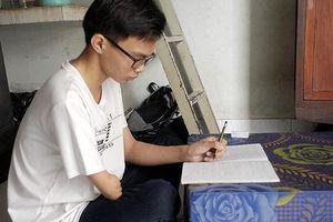 Thủ khoa Nguyễn Chí Bền: Đừng để hoàn cảnh quyết định cuộc đời mình