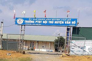 Huyện Vân Hồ kỷ luật cảnh cáo, điều chuyển hiệu trưởng gạ tình giáo viên