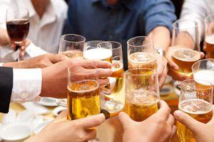 Cán bộ, công chức không được sử dụng rượu bia trong giờ làm việc