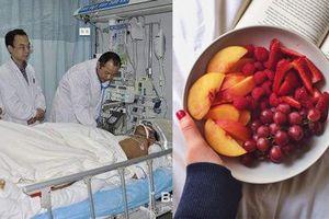 Chàng trai trẻ nhập viện cấp cứu vì thường xuyên ăn trái cây thay bữa tối
