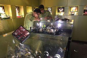 TP.HCM: Tạm giữ hơn 500 đồng hồ đeo tay nghi nhái thương hiệu nổi tiếng