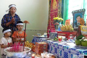 Thắt lòng 2 trẻ mồ côi cha, mẹ mắc bệnh hiểm nghèo