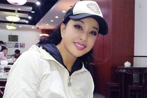 Phong cách thời trang trẻ trung của mỹ nhân Lưu Hiểu Khánh