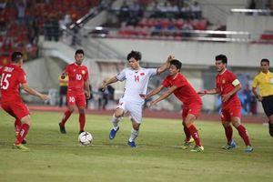 Báo nước ngoài choáng vì Việt Nam kiểm soát bóng 'siêu hạng' trước Lào