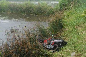 Phát hiện thi thể thanh niên cách hiện trường xe máy bị ngã 500m