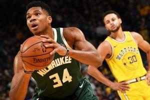 Curry chấn thương, Bucks chấm dứt chuỗi trận 'bắt nạt' của Warriors