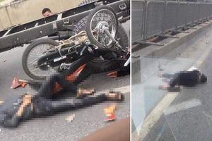 Phóng xe máy lên đường cấm, 2 nam thanh niên bị ô tô tông trúng
