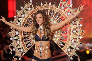 Những mẫu nội y triệu USD gây 'choáng' trong lịch sử Victoria's Secret