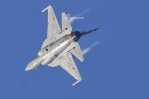 Nâng cấp lớn khiến JF-17 Trung Quốc bỏ xa MiG-35 trên thị trường vũ khí