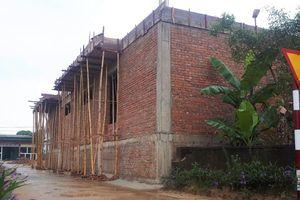 Bí thư xã bị yêu cầu tháo dỡ nhà xây lấn đường