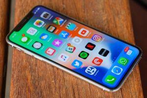 Có nên mua iPhone X lúc này?