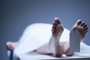 Thất kinh phát hiện vợ bị chém chết, chồng treo cổ tự tử