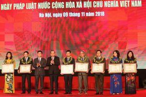 Lễ hưởng ứng Ngày Pháp luật Việt Nam