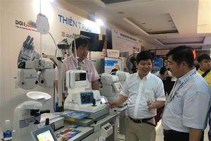 Nhiều thiết bị máy móc hiện đại của DN được giới thiệu tại Hội nghị ngành Nhãn khoa 2018
