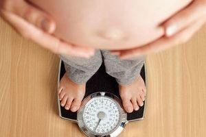 Trong thai kỳ và sau sinh, mẹ nên 'GIỮ DÁNG' thế nào để con vẫn khỏe mạnh?