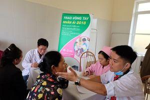 Khám bệnh, cấp phát thuốc cho 700 người dân ở Tuyên Quang