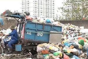 Clip: Bãi tập kết rác quá tải khiến người dân khốn khổ hơn 20 năm