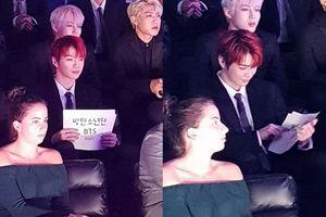 Lấy bảng staff làm banner cổ vũ BTS, có fanboy nào đáng yêu như Daniel (WANNA ONE) không?